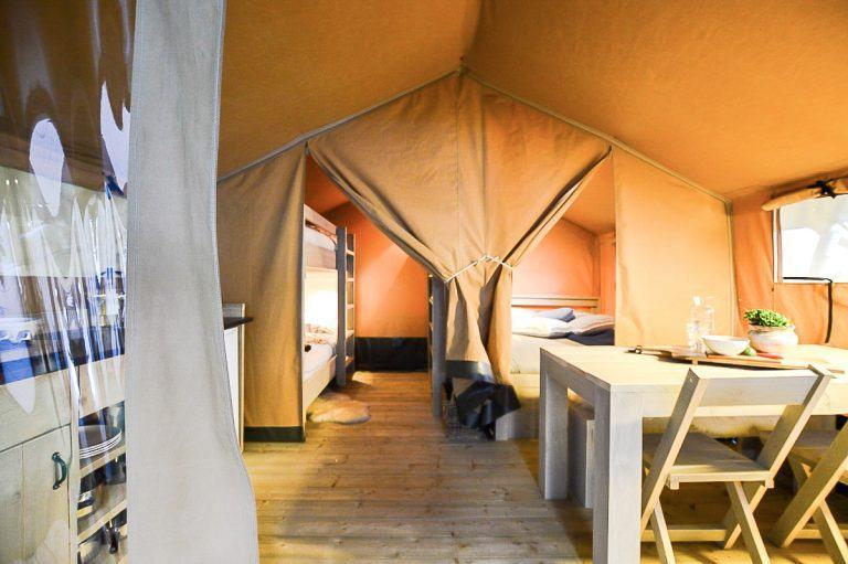 Inrichting safari tent Camping Landzicht_